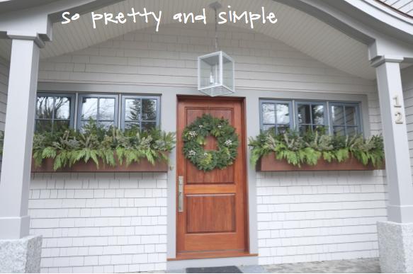 Kristina Crestin Design_Big P holiday decor exterior